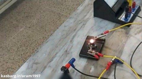 چگونه دمای تقریبی سیم درون لامپ روشن را به دست آوریم؟ 2